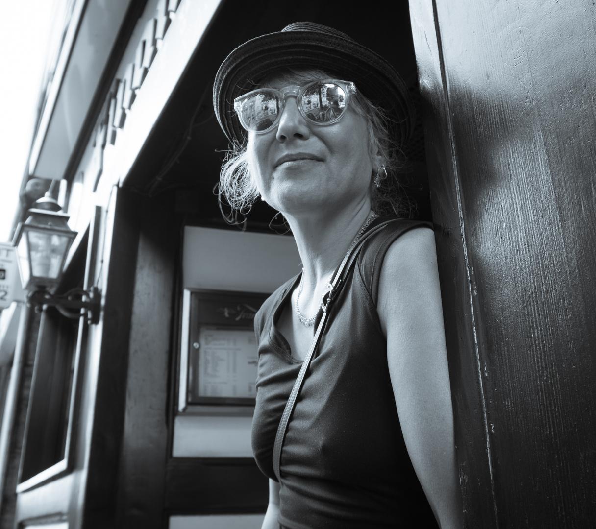 Dina in Düsseldorf Bild 2