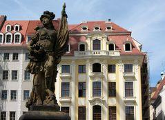 Dinglinger Haus vom Juwelier mit dem Türkenbrunnen davor