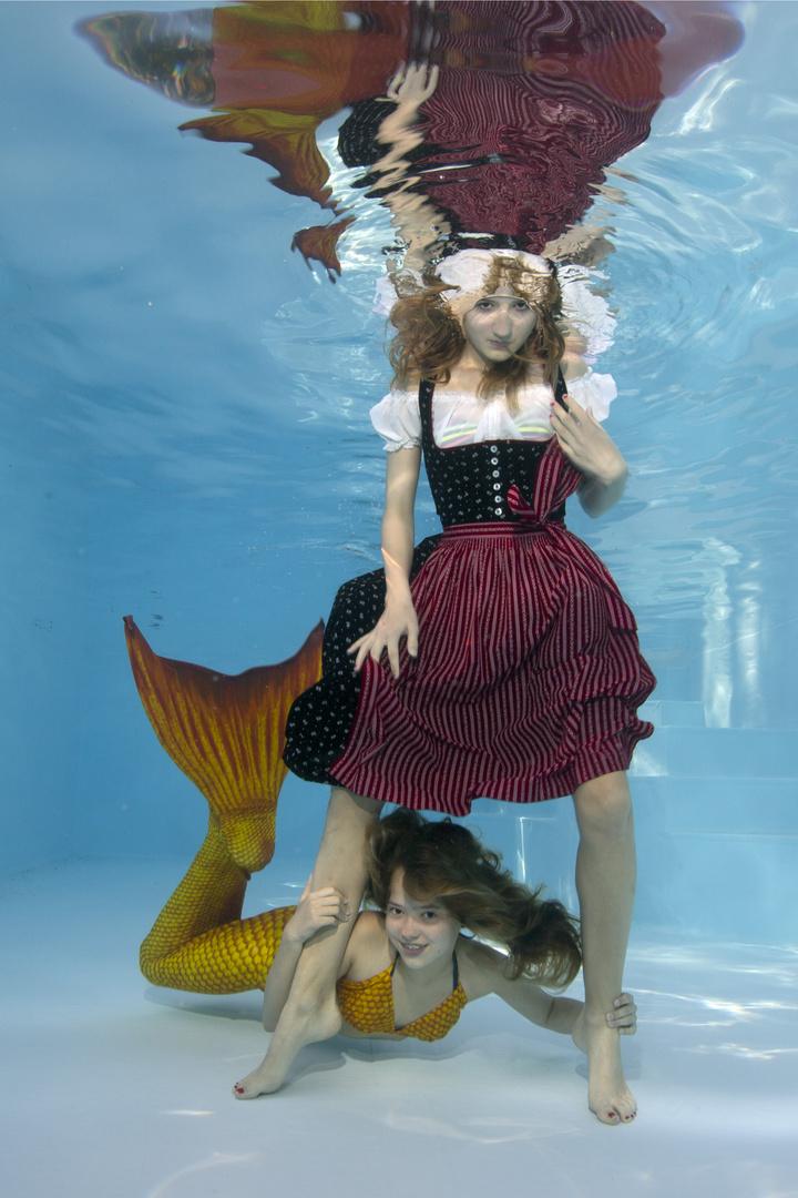 Dirndl meets mermaid