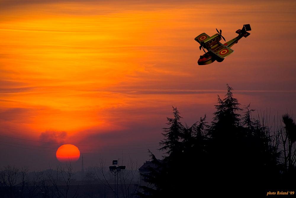 disastro aereo al tramonto