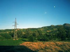 Distopian Love - The Moon & the Iron Giant