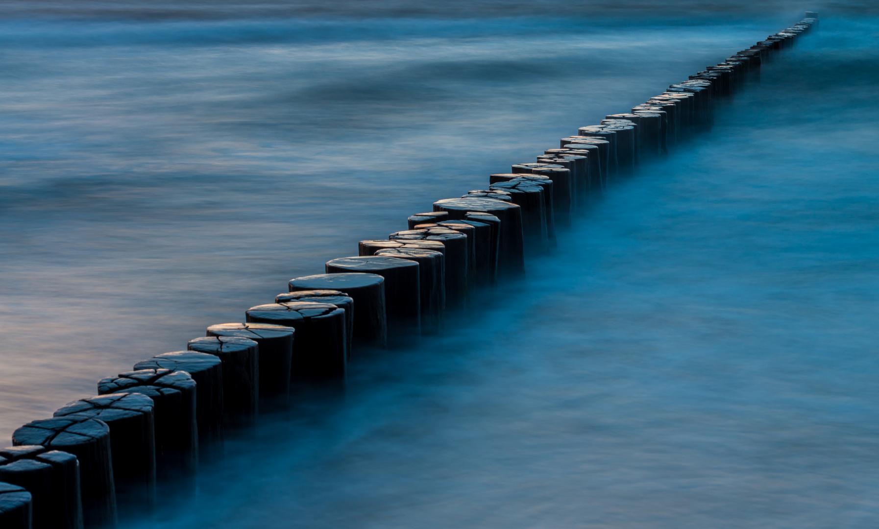 dividiert in blau