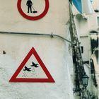 divieto...a terra, pericolo.. dal cielo