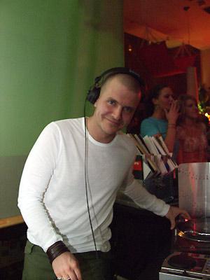 DJ Moguai @ work