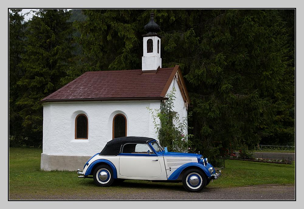 DKW F8 an der Bäckeralm-Kapelle