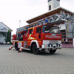 Feuerwehr- & Polizeifahrzeuge