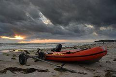 Dlrg-Boot am Strand