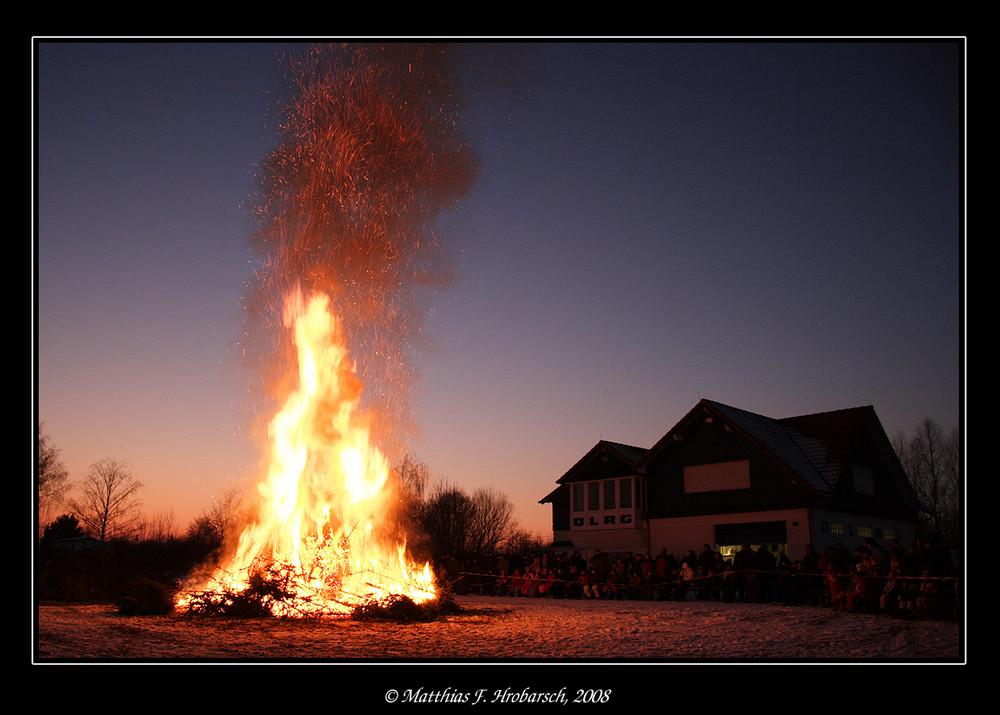DLRG Station am Riedsee - Weihnachstbaum verbrennen