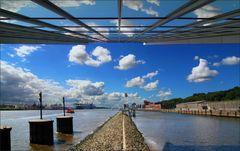 * Dockland * *