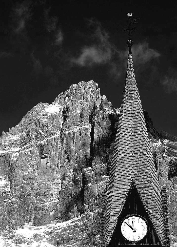 """DOLOMITI...UNA MIA PASSIONE""""..il campanile ..e la sua montagna..."""""""