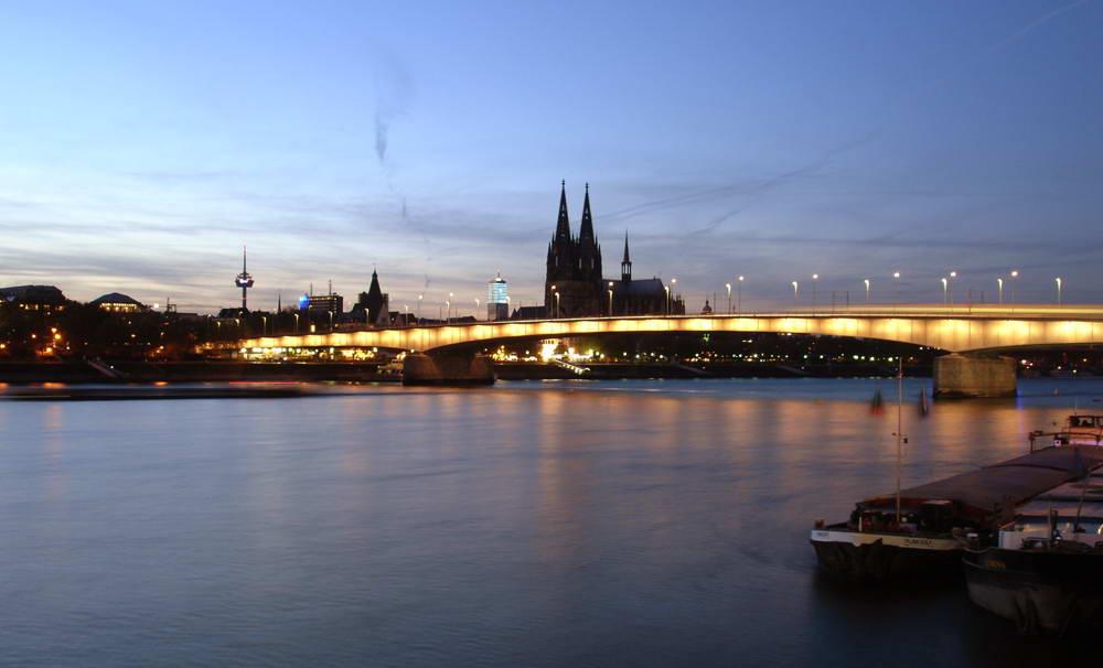 Dom Deutzer Brücke Rhein