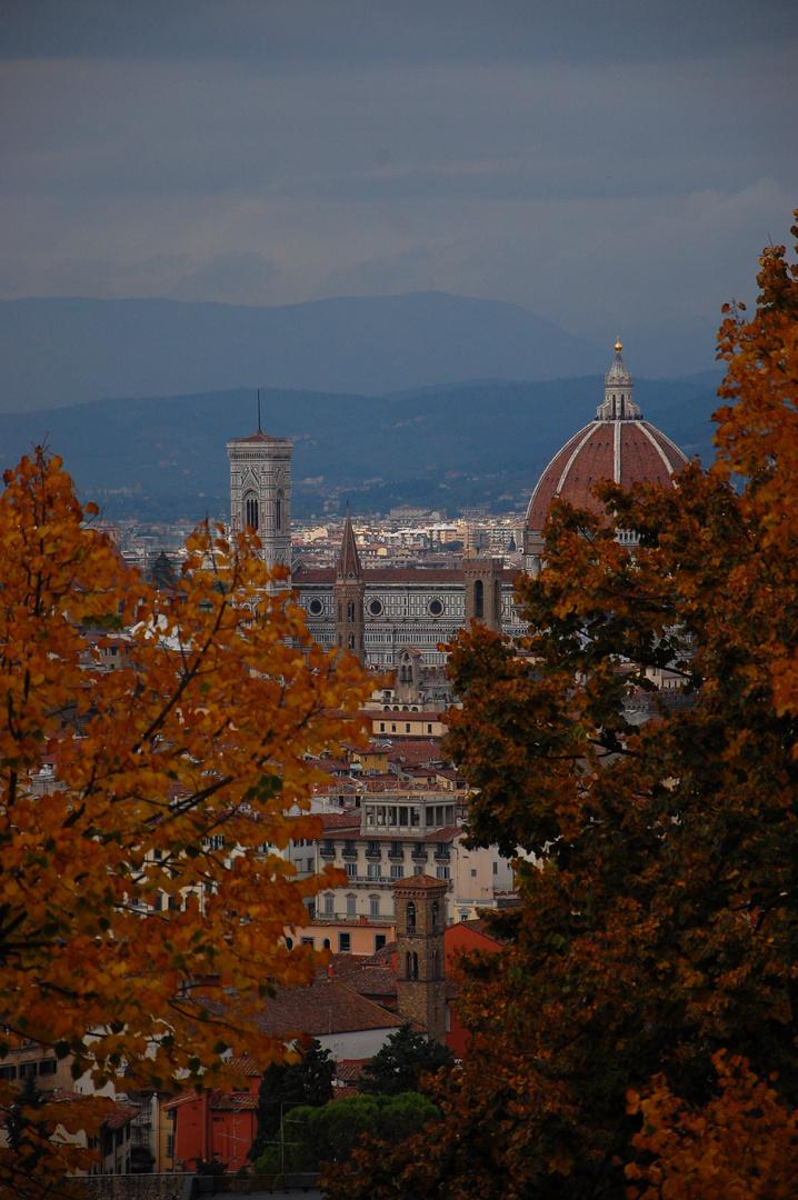 Dom im Herbst