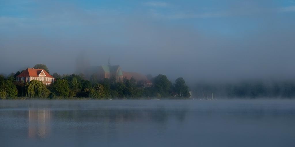 Dom im Nebel