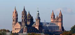 Dom zu Worms, Blick von der neuen Rheinbrücke
