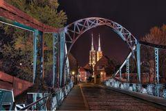 Dombrücke trifft den Dom