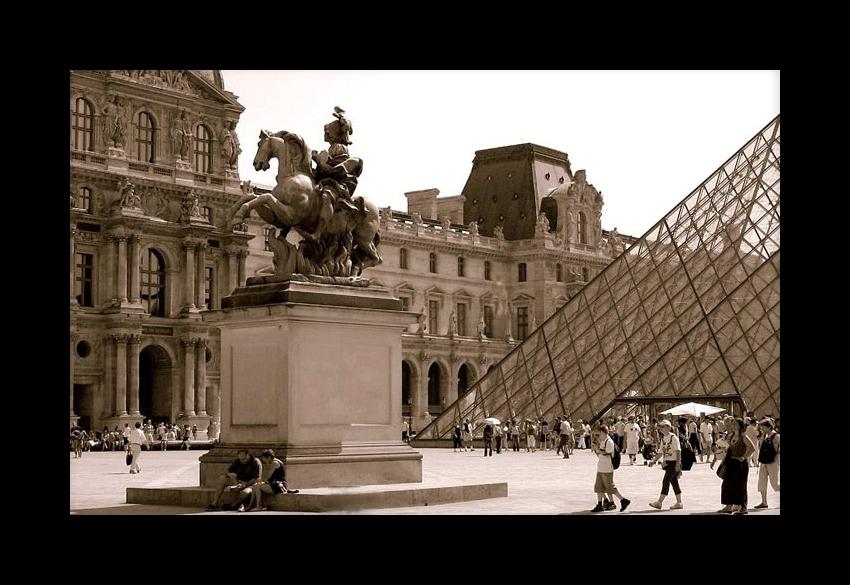 Domenica al Louvre