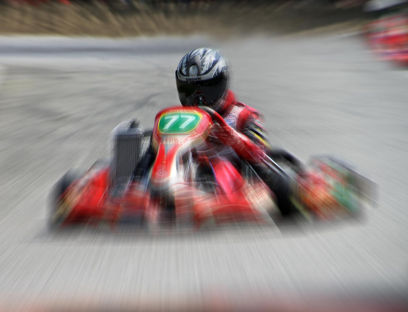 Dominic beim Kart-Rennen