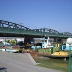 Donaubrücken - Nähe Milenumtower