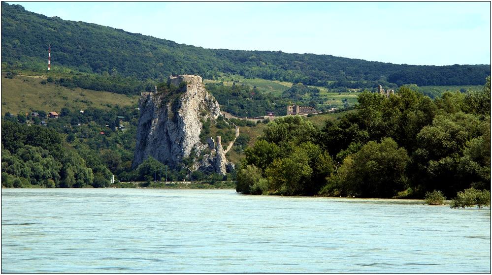 ... Donauknie bei Devin ...