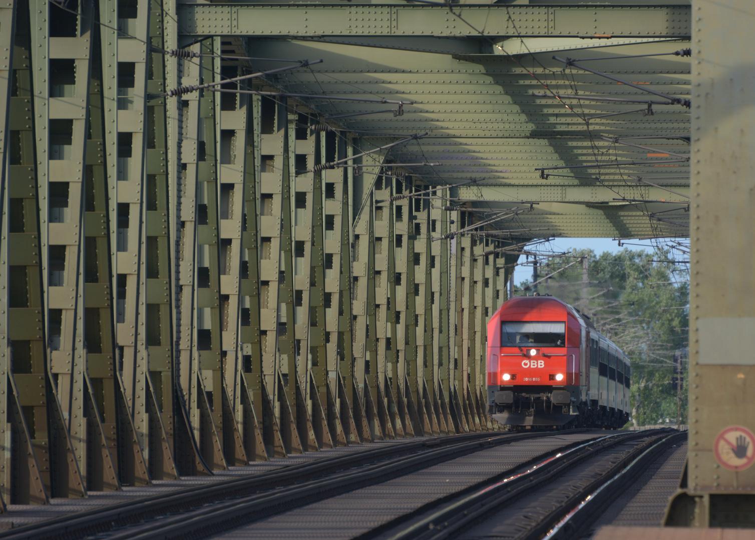 Donauüberquerung  -1