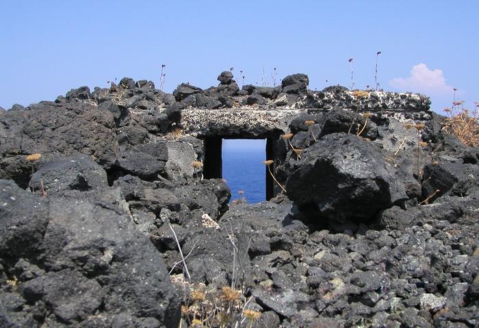 Door to sea