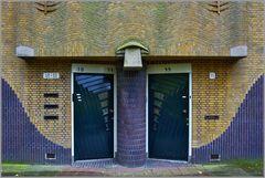 Doppeleingang zu vier Wohnungen...