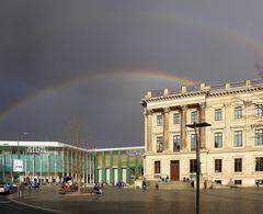 Doppelter Regenbogen über dem Braunschweiger Schlossarkaden