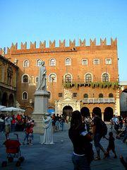 Doppio Dante in Piazza dei Signori