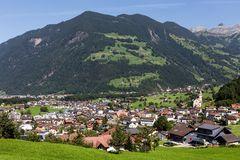 Dorf am Waldrand