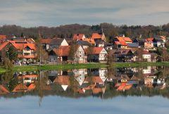 Dorf im Spiegel