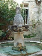 Dorfbrunnen in Séguret
