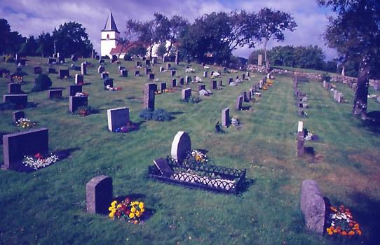 Dorffriedhof in Südnorwegen