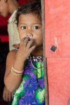 Dorfkind bei Kampot, Kambodscha