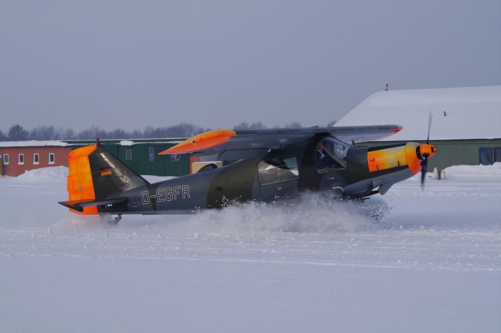 Dornier Do27 A1 im Schnee