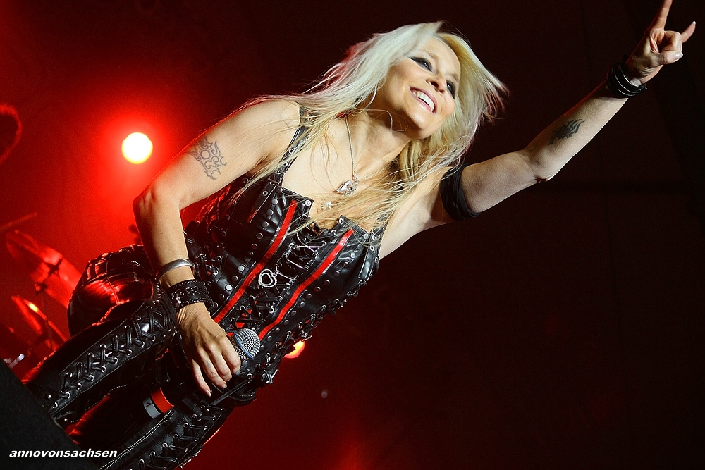 Doro@Rocking For Help...