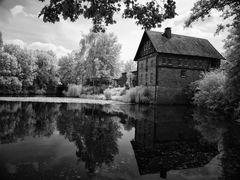 Dort wo die Wassermühle klappert.