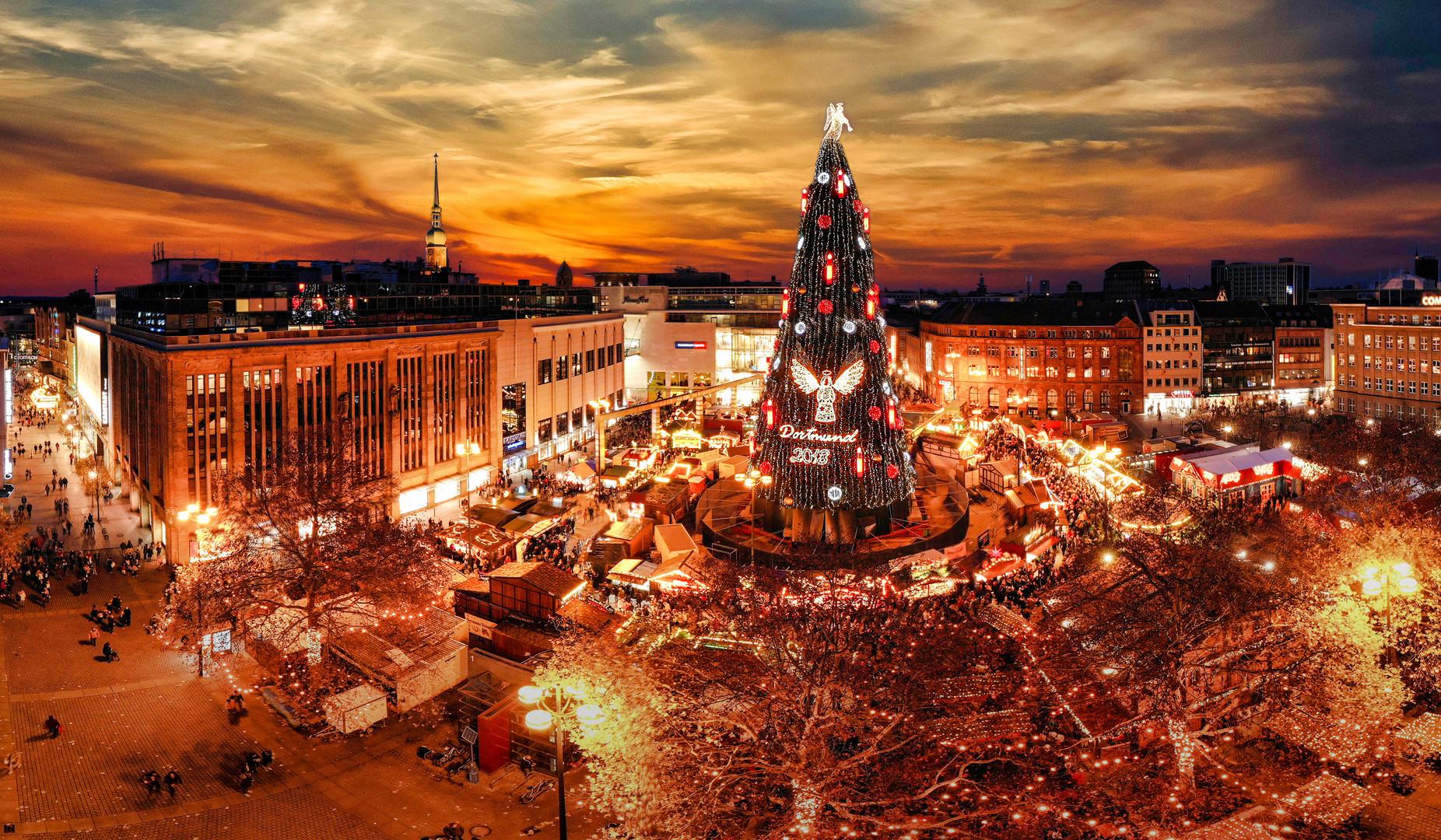 Dortmund Weihnachtsmarkt.Dortmund Weihnachtsmarkt 2018 45x30 Foto Bild