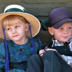 Dos bellos niños menonitas