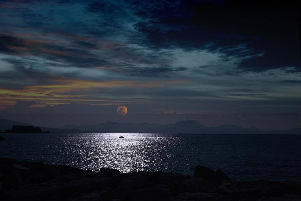 .... Dove la notte s'incontra con il  giorno.