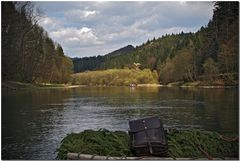 Down the Dunajec on a wooden barge