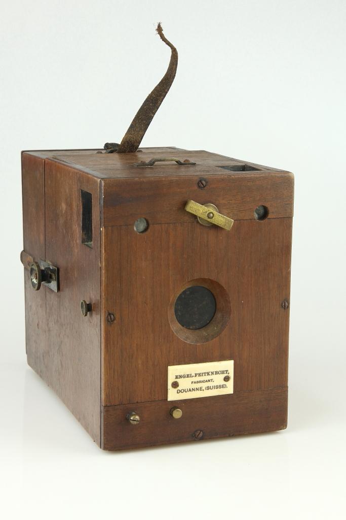Dr. Krügener's Million-Camera & Engel-Feitknecht