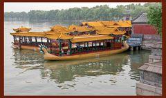 Drachenboote im Palast der Kaiserin