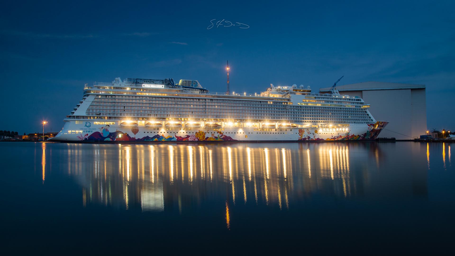 Dream Cruises - World Dream