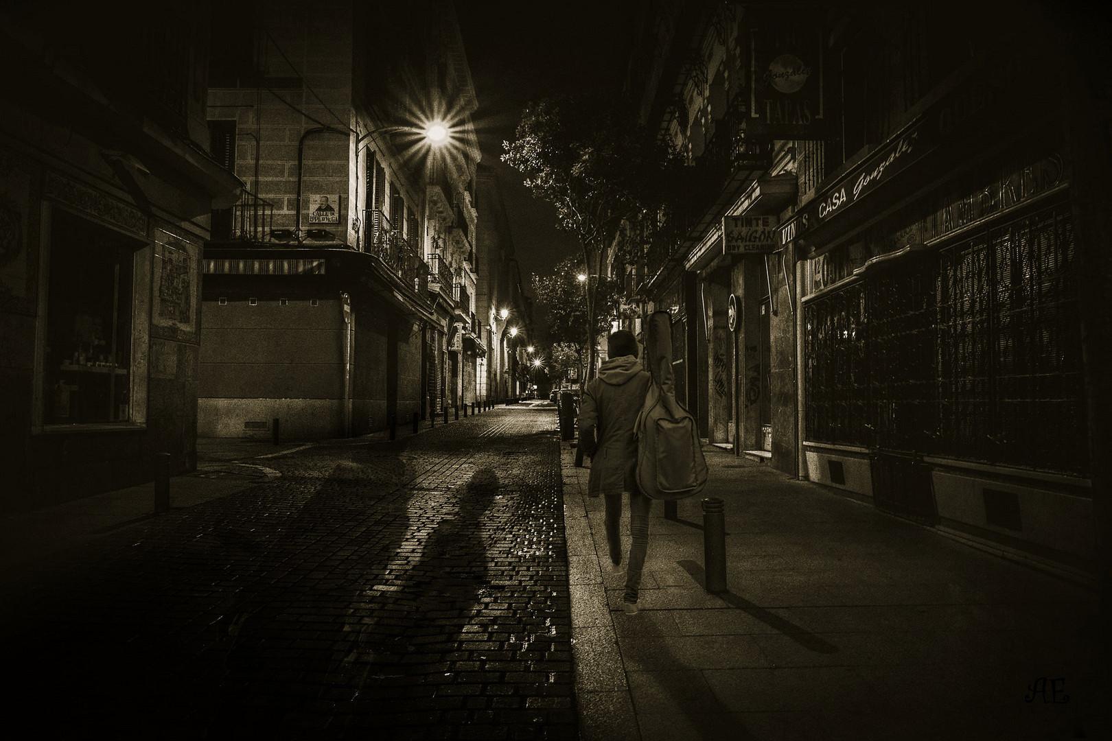 Dreh dich nicht um nach fremden Schatten......