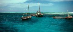 * Drei Boote .............