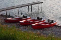 Drei einsame Boote