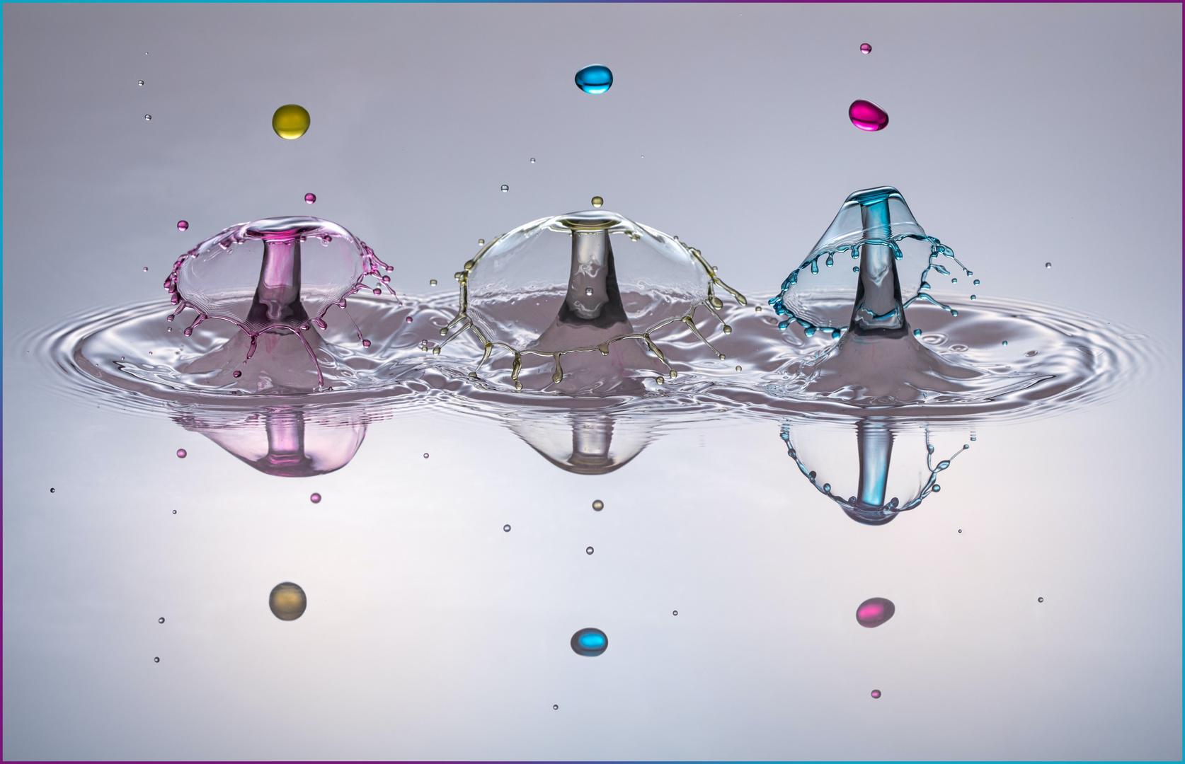Drei Schirmchen