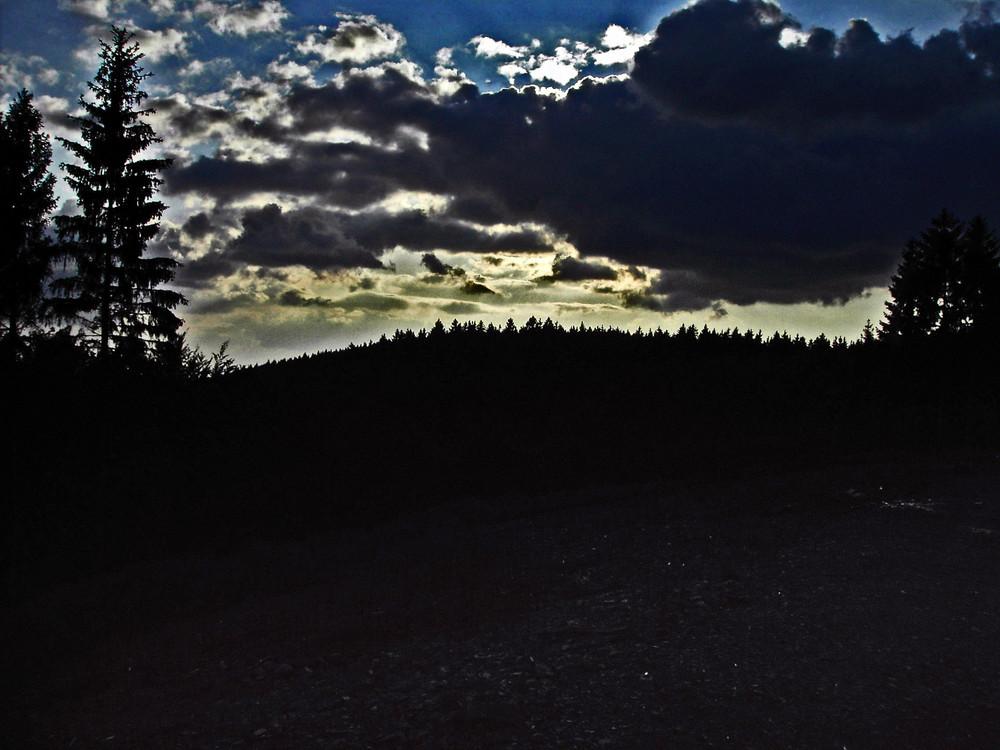Dreiköpfige Drachenwolke
