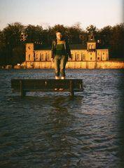 Dresden 2002°°°Benno's Cora auf der Wasserbank°°°Scan aus seinen foto -