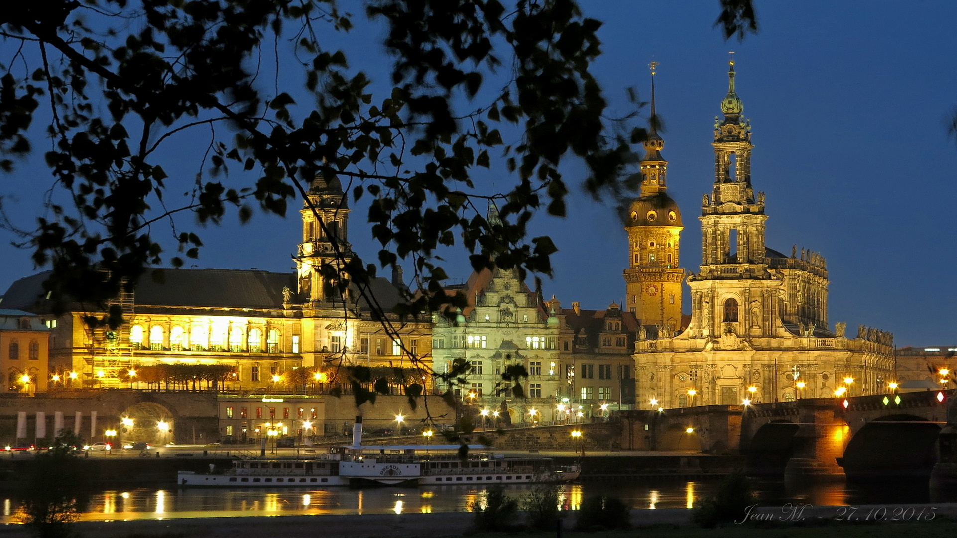 Dresden am 27.10.2015 um 17:20:27 Uhr
